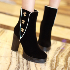 欧美冬季简约短靴粗跟骑士靴V口金属小花女靴/MZR/N718/P6658