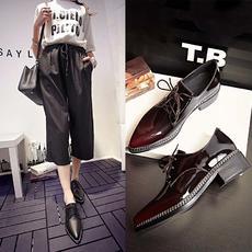 春季英伦真皮尖头单鞋系带低跟中性女鞋通情款BNE/021/Z1825