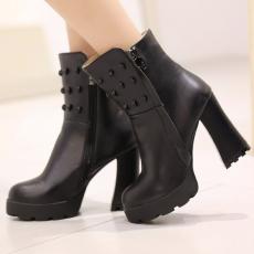 欧美金属骷髅头个性潮靴粗跟冬季短靴防滑女靴/KJQ/12670-4/P6650