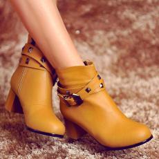 2014达芙秋新款粗跟女靴甜美柳钉搭扣裸靴超美短靴/HQ/K01/P6557